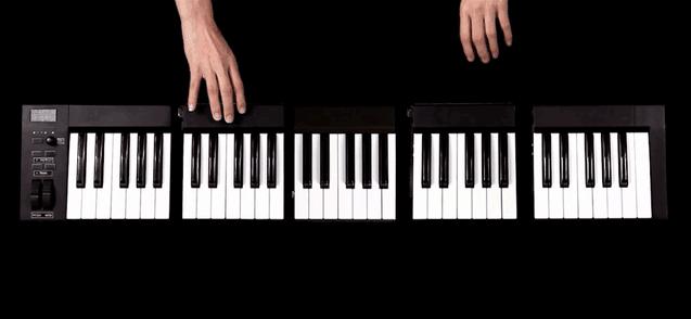 The Kombos modular MIDI keyboard puts a full keyboard in