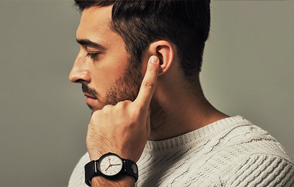 Lose the dorky Bluetooth headset with the Sgnl smart strap