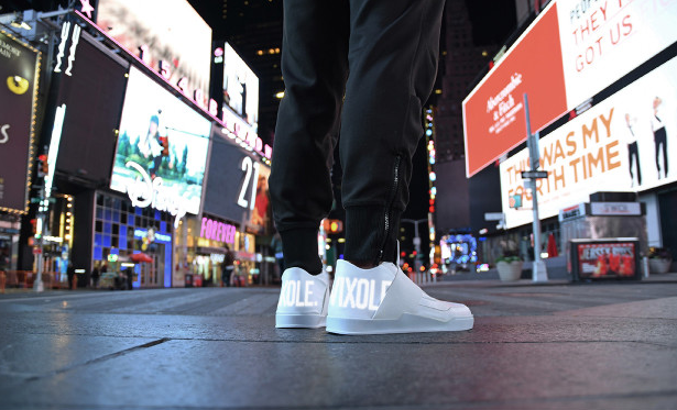 Vixole LED-equipped kicks lets everyone know how fresh you are